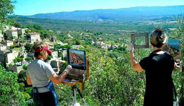 French Escapade guests painting in Provence, France (Photo: Courtesy of French Escapade)