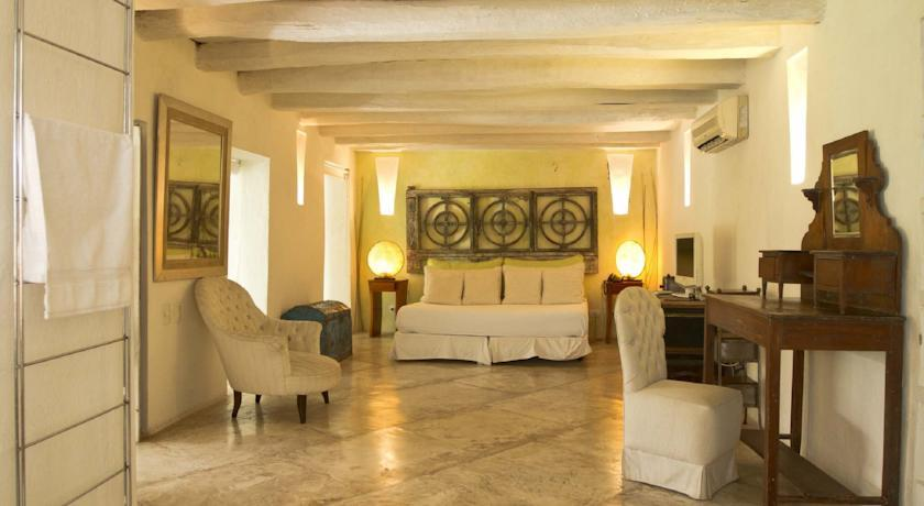 The Deluxe Room at La Passion Cartagena Hotel in Colombia (Photo: Courtesy of La Passion Cartagena Hotel)
