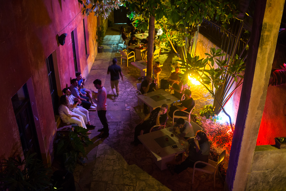 Relax on the outdoor patio or see live music inside during many evenings at K de Café located in the Colonial Zone of Santo Domingo, Dominican Republic. (Photo: Nicole Clausing)