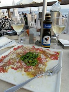 Carpaccio by the water in Porto, Portugal. (Photo: Courtesy of Fresh Lobster Tours)